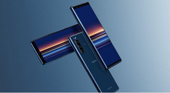 Frontal y trasera del Sony Xperia 5 en azul