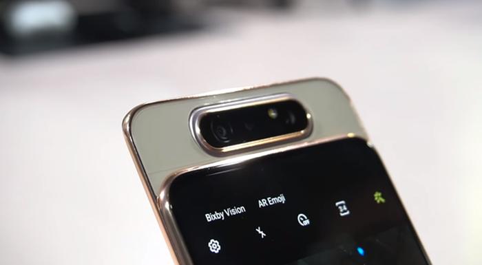 cámara reversible del Galaxy A80
