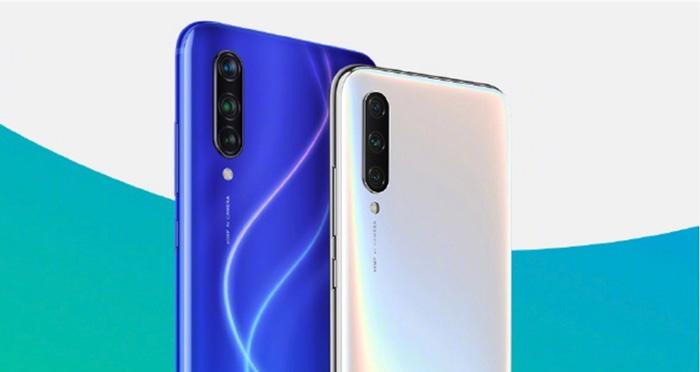 Trasera del Xiaomi CC9 en azul y blanco